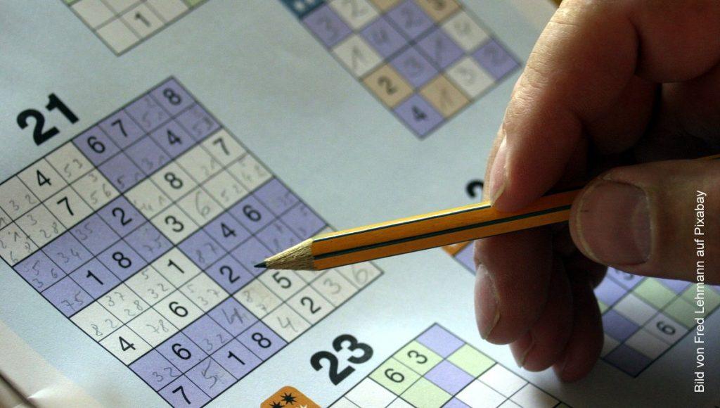 Ein Sodoku-Spiel - Spielbogen mit Bleistift