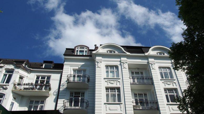 Schönes Jugendstilhaus, weiß, in Hamburg Eppendorf
