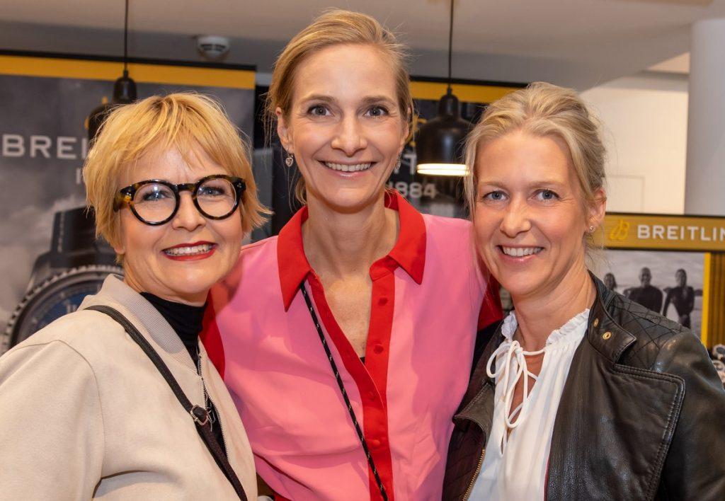 Gruppenfoto Cabochon und Friends im Vitra Showroom in Hamburg Alton