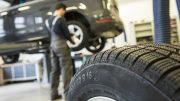 Blick in eine Reifenwerkstatt