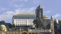Das Hotel Hafen Hamburg über den Landungsbrücken