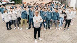 Gruppenfoto der neuen Auszubildenen vom Hamburger Bäcker DAT BACKHUS