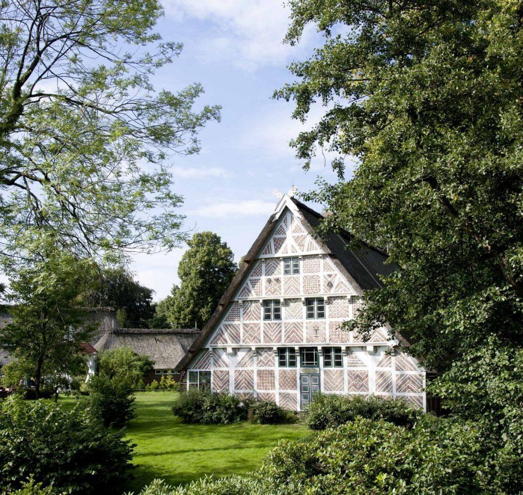Ein Fachwerkbauernhof im Alten Land bei Hamburg