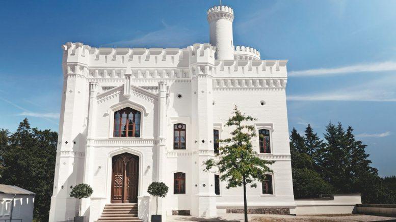 Aus einem Jagdschloss ist die Blomenburg Klinik geworden