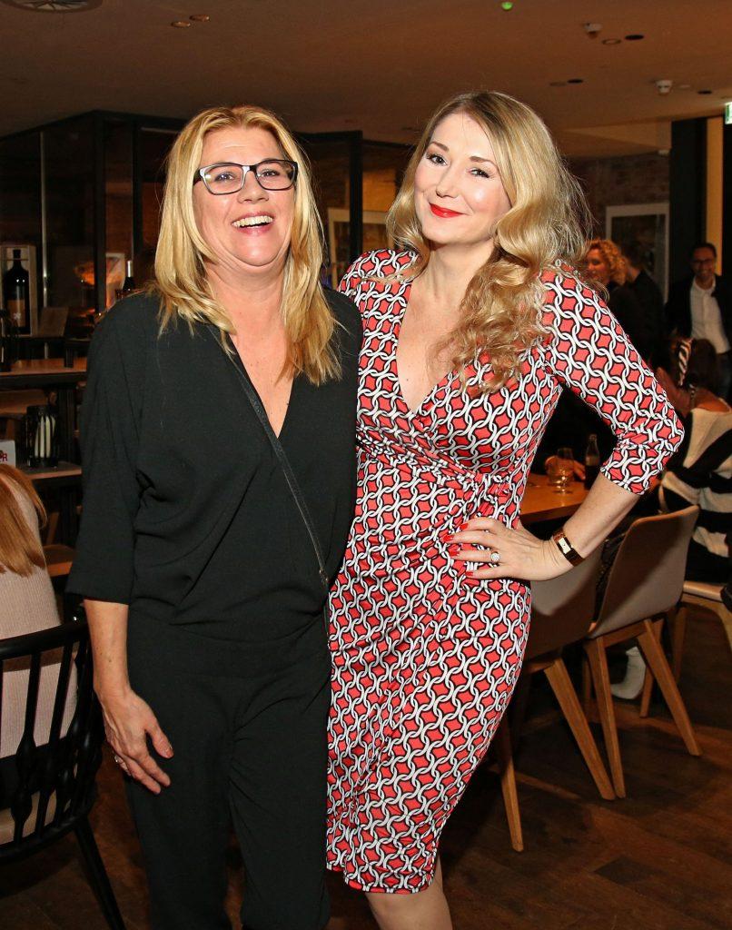 Claudia Schulz mit Sandra Quadflieg