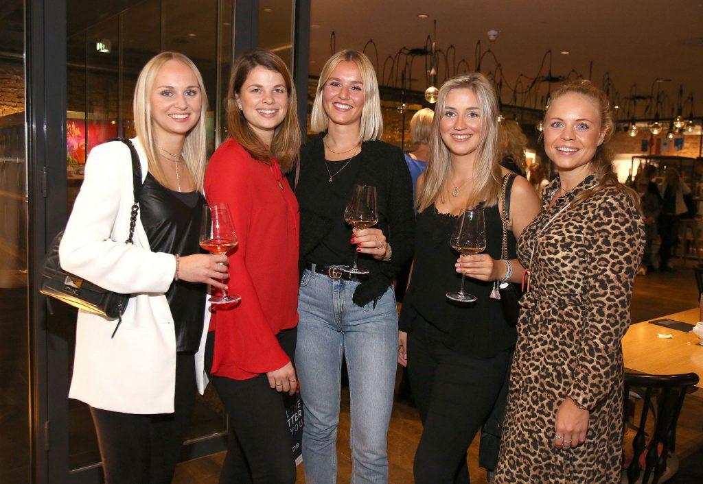 Julia Glathe und Karolin Birne mit Team Auto Wichert