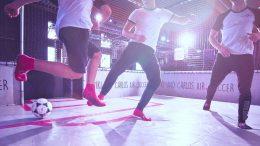 Air Soccer in einer Trampolinhalle
