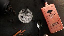 Stilleben Tonka Gin fünf Jahres Edition