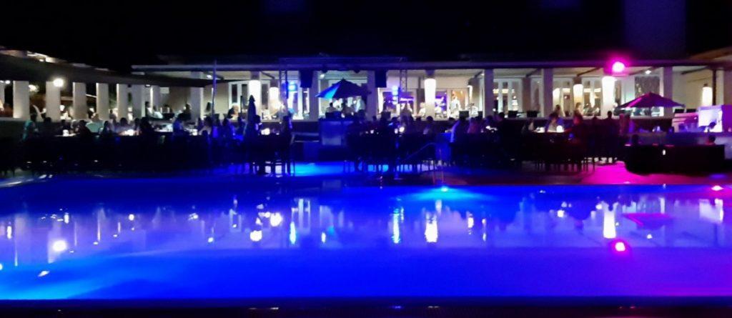Abstimmung am Pool des Robinson Club Quinta da Ria