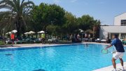 Robinson Club Quinta da Ria Tennis über den Swimming Pool hinweg