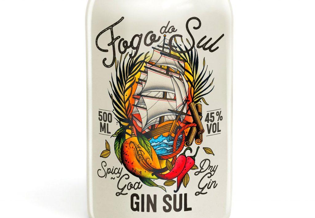 Flaschenetikett Foto do Sul Gin mit Tattoo Motiv Schiff