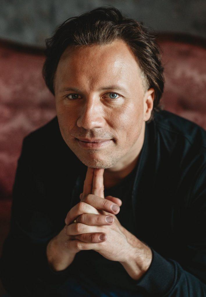Der Dirigent Kristijan Järvi
