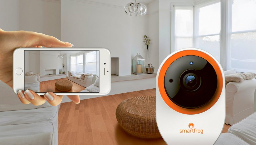 Wohnzimmer mit Smartfrog Kamera