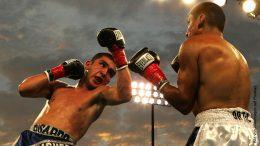 Zwei Boxer im Ring beim Boxkampf