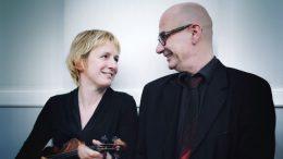 Die zwei Musiker Juditha Haeberlin, Violine und Franck-Thomas Link