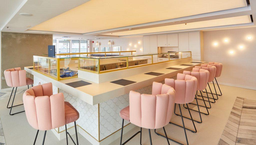 Blick ins neue Restaurant Pears auf der MS Euorpa