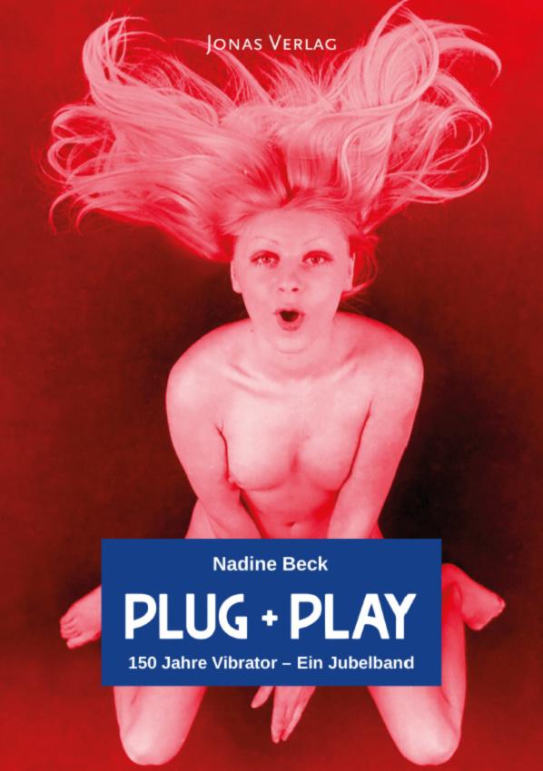 Buchcover Plug + Play Frau mit wehenden Haaren