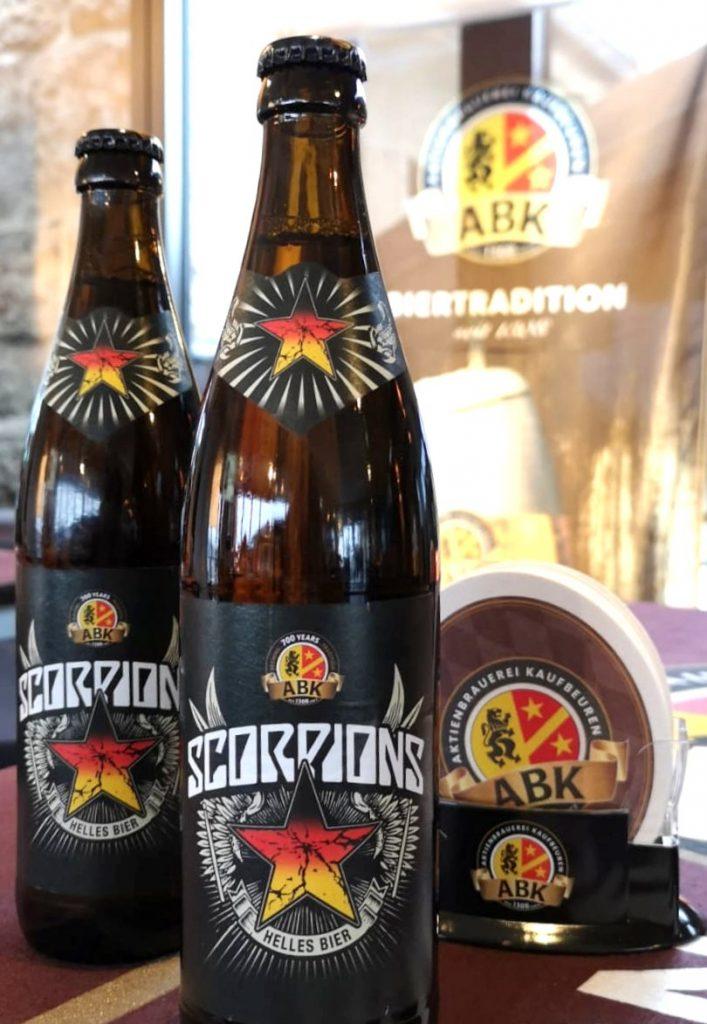 Bierflaschen mit Scorpions Bier