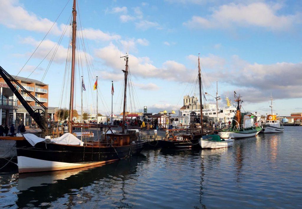 Büsumer Hafen mit Fischerbooten