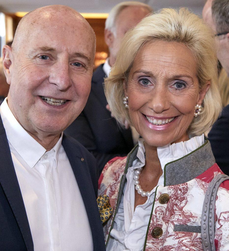 Wolfgang E. Buss mit Kristina Tröger