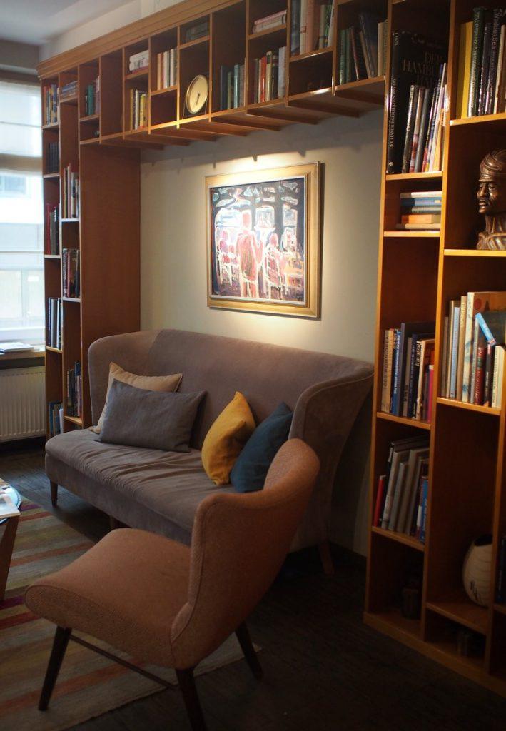 Lounge des Henri Hotels