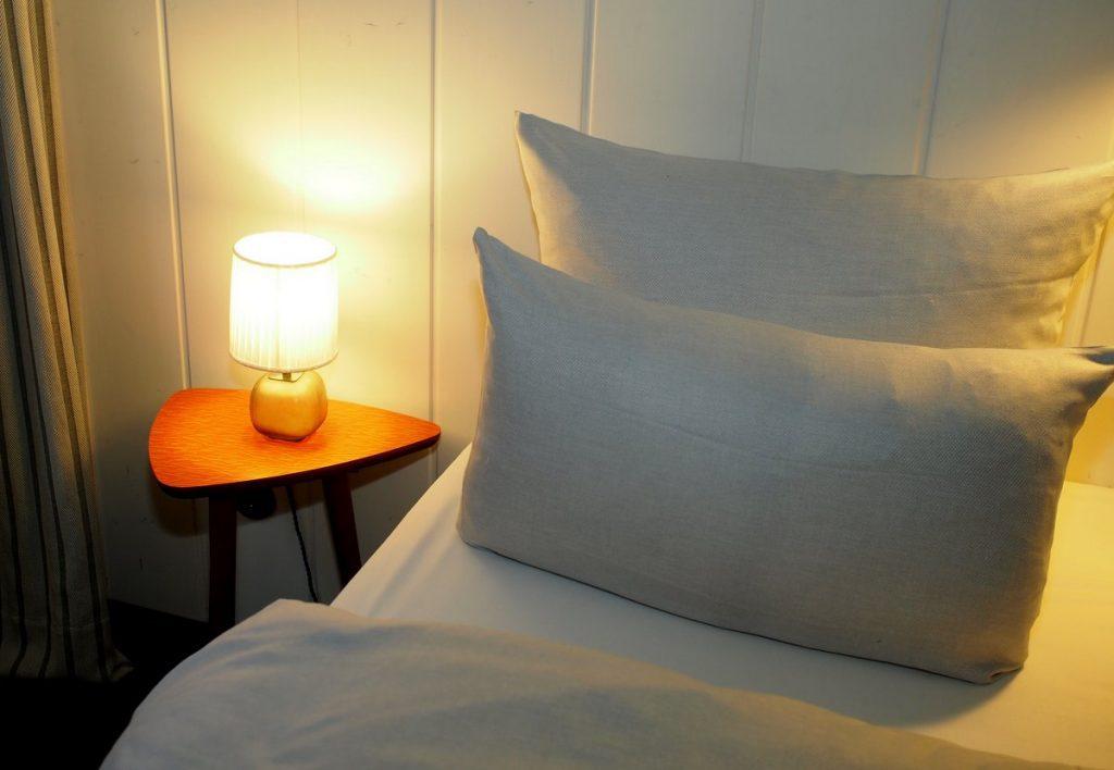 Bett im Henri Hotel