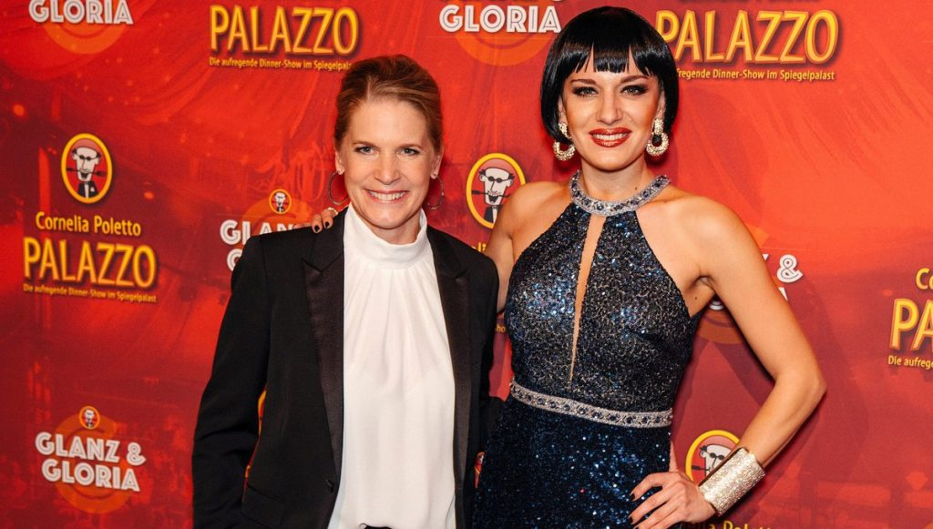 Gastgeberin Cornelia Poletto und Ariana Savalas