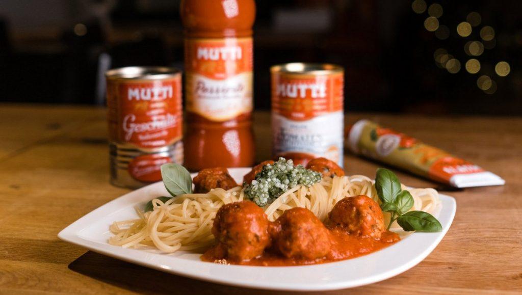 Spaghetti con Polpettine mit Mutti Produkten