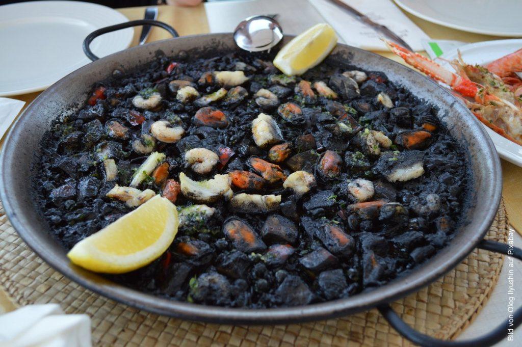 Tintenfisch Paella