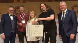 Preisverleihung für Ratsherrn beim European Beerstar 2019 Gruppenfoto mit Urkunde