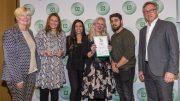 Gruppenbild bei der Verleihung des DEICHMANN-Förderpreis für Integration 2019
