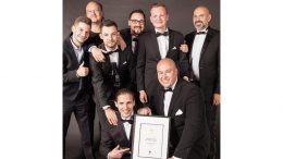 Beim Mixology Award in Berlin, das Gewinnerteam der The Fontenay Bar