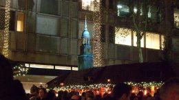 Der Winterwald vor Karstadt, der Weihnachtsmarkt in der City