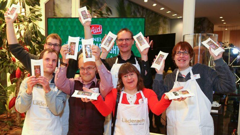 Gruppenbild Channel Aid Christmas Night bei Läderach