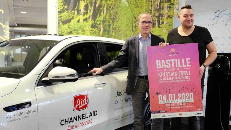 Matthias Kallis und Fabian Narkus am neuen Channel Aid Mercedes Benz
