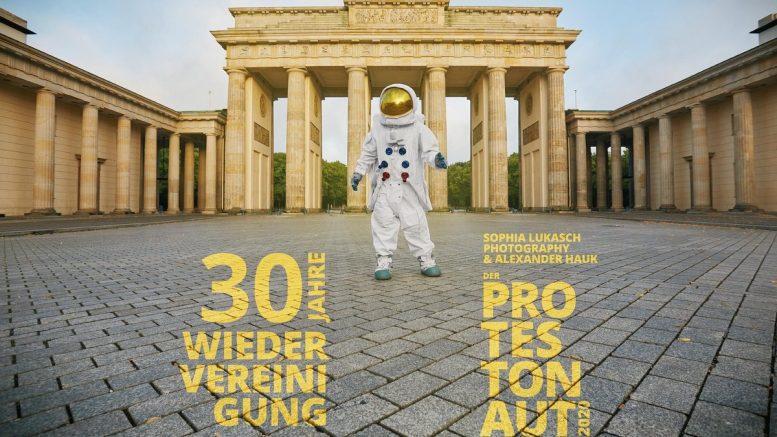 Kalendermotiv Brandenburger TorDer Protestonaut-Kalender 2020