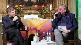 Podiumsgespräch in Hamburg Robert Habeck im Gespräch mit Lars Meier