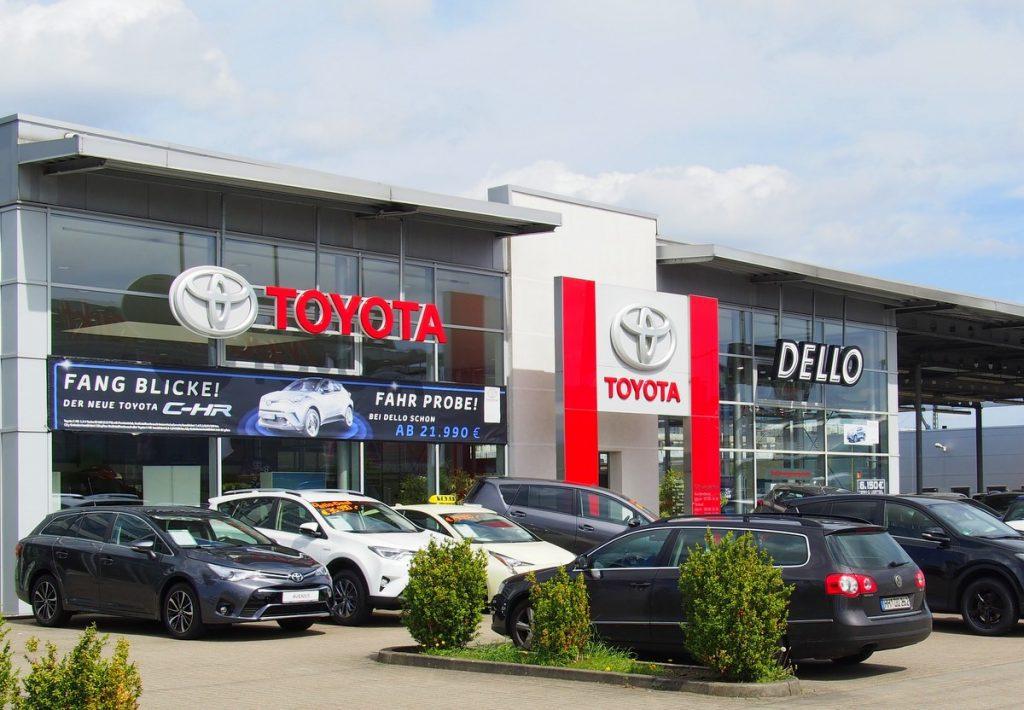 Toyota Dello an der Automeile Nedderfeld