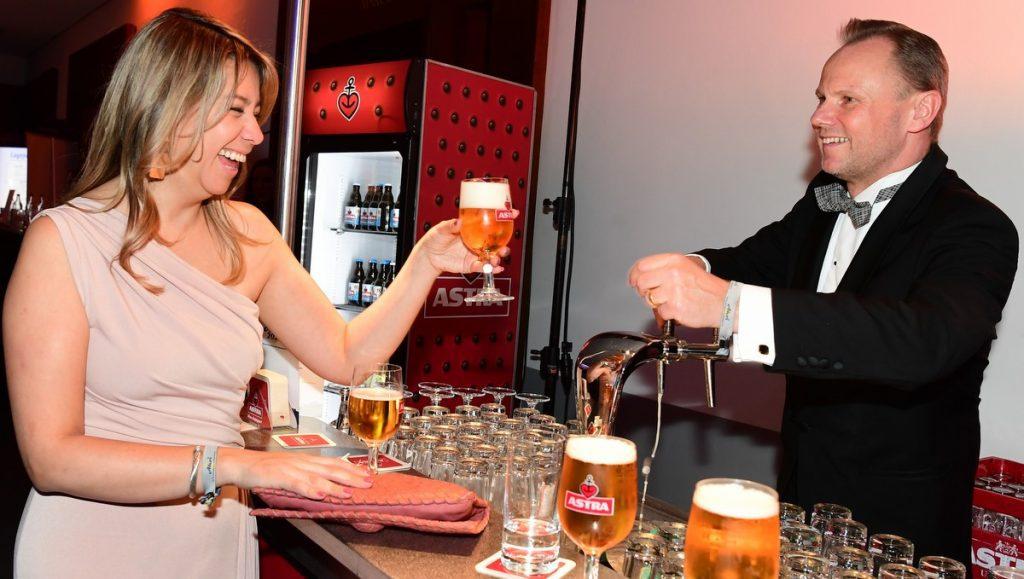 Andi Grothe mit Frau an de Astra Bar