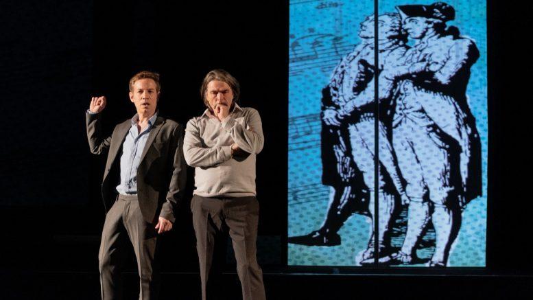 Die Schauspieler Tobias Dürrund Franz-Josef Dieken auf der Bühne
