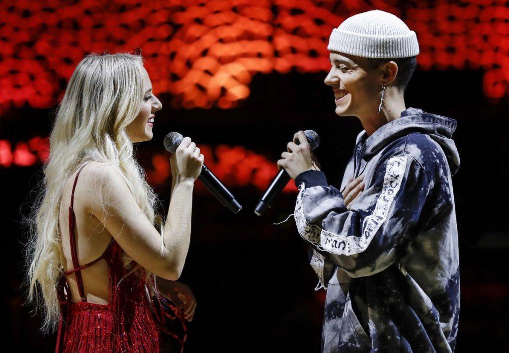 Auf der Bühne im Duett: Madilyn Bailey und Leroy Sanchez Channel Aid 4.1.2020