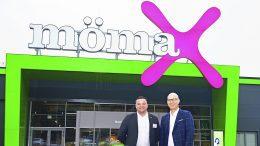 mömax Filale in hamburg Harburg mit Marktleiter