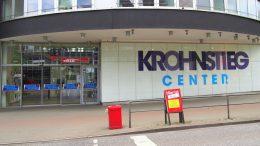 Der Eingang zum Einkaufscenter Kronstieg Center in Hamburg Langenhorn