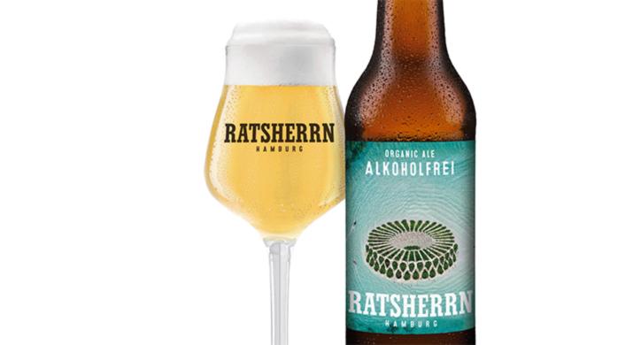 Packshot, Glas und Flasche Ratsherrn Organic Ale Alkoholfrei