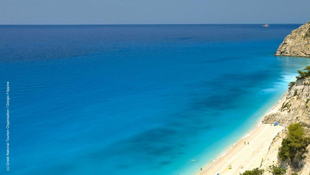 Blauer Meer in Griechenland