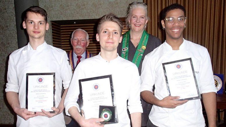 Siegerfoto drei Hamburger Jungköche bei einem Kochwettbewerb