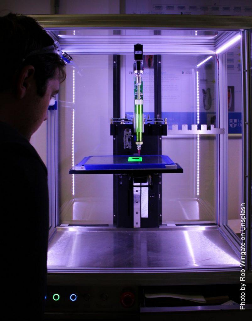3D Drucker in einer Druckkabine