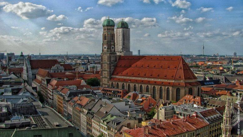 Skyline von München mit Liebrauenkirche