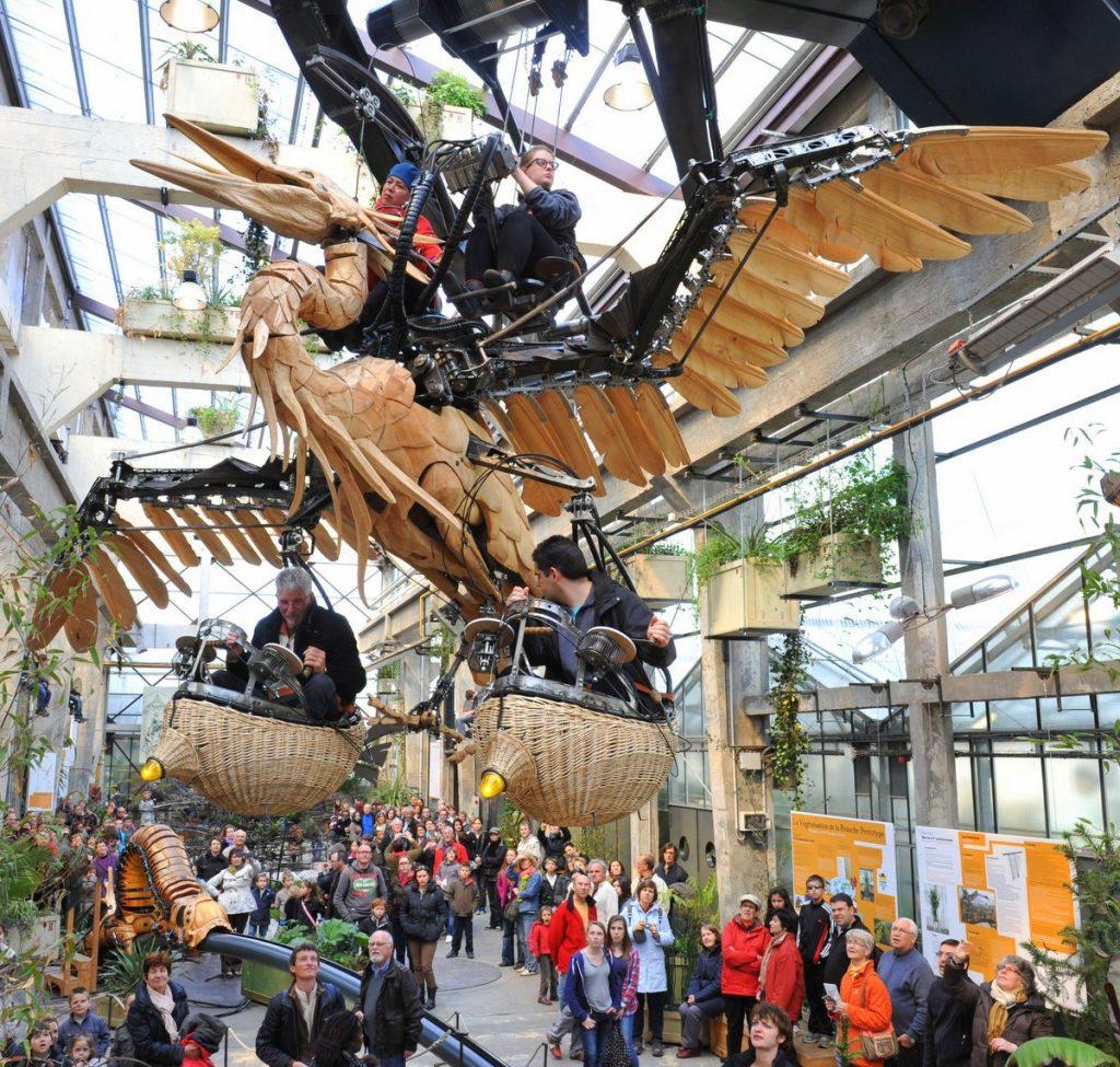 Die Galerie der Maschinen in Nantes mit Besuchern