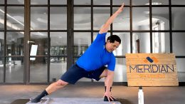 Ein Meridian Trainer im Sportstudio